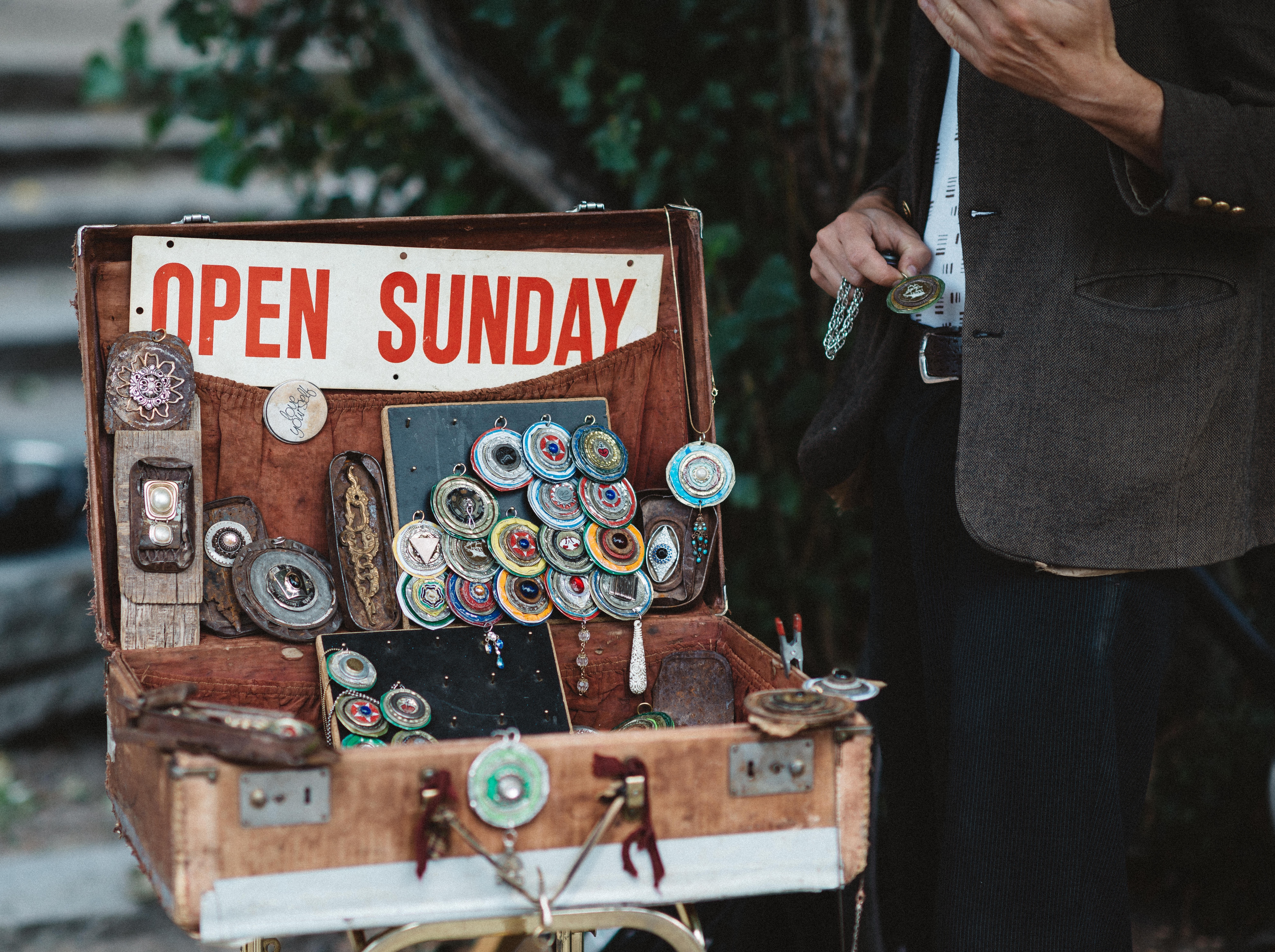 picture of a sign that says open sunday